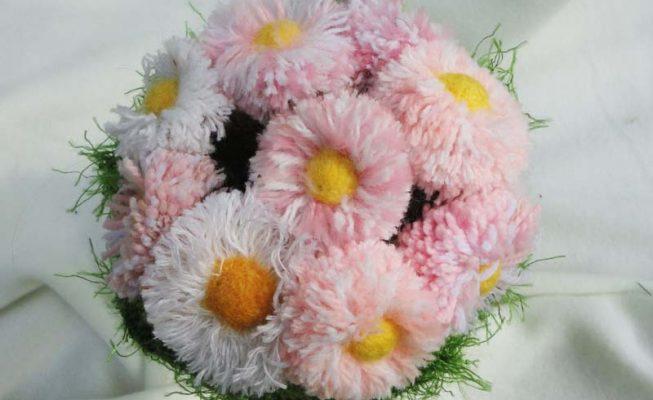 Gänseblümchen, Wollreste, Draht