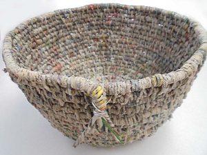 Körbchen aus Papiergarn